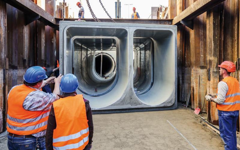 HAMBURG WASSER fordert in seinen Ausschreibungen die Erfüllung der Anforderungen der Gütesicherung Kanalbau RAL-GZ 961. Und auch während der Bauphase wird der Auftraggeber in vielfältiger Weise von den Prüfingenieuren der Gütegemeinschaft unterstützt.   Fotos: HAMBURG WASSER